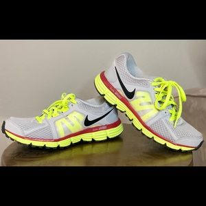 Nike Dual Fusion ST-2 Grey Volt Running  7 Youth